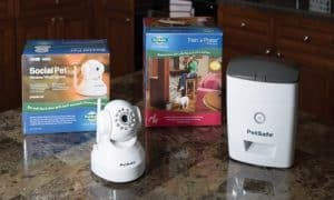 The SocialPet Camera and Treat Dispenser includes everything you see here!